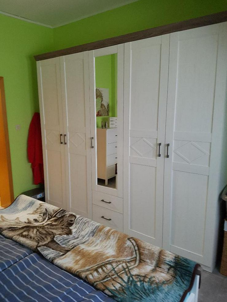 Bild 7: Frisch renovierte DG-Wohnung mit moderner Küche in ruhiger Lage in Duisburg-Walsum