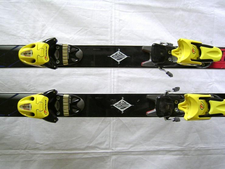 Bild 4: SKI -schuhe und alpin-ski