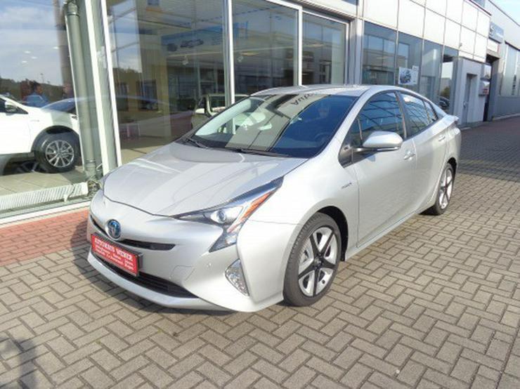 Bild 2: Toyota Prius 1.8 VVT-i Executive