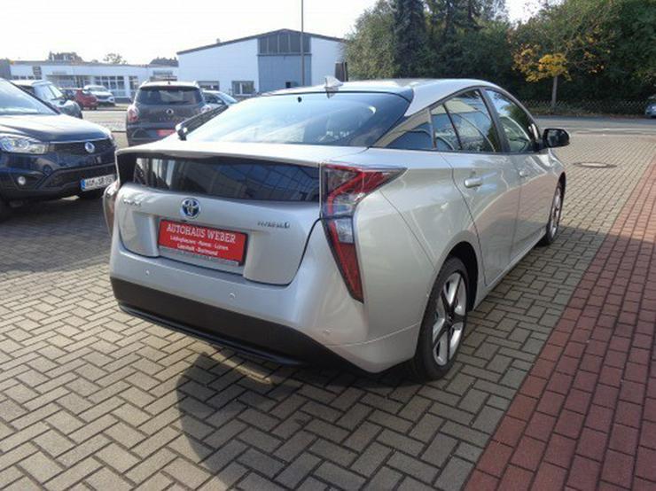 Bild 6: Toyota Prius 1.8 VVT-i Executive