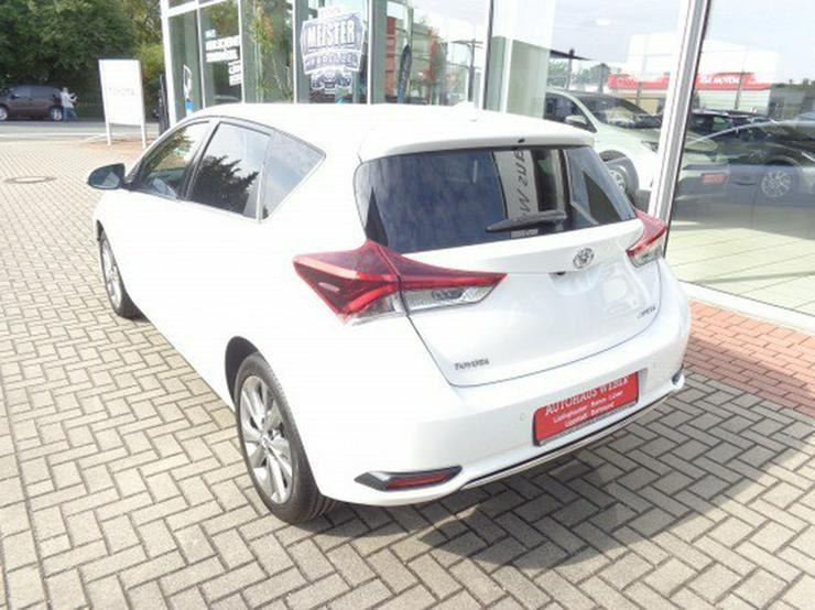 Bild 5: Toyota Auris 1.2 Executive  & LED Scheinwerfer