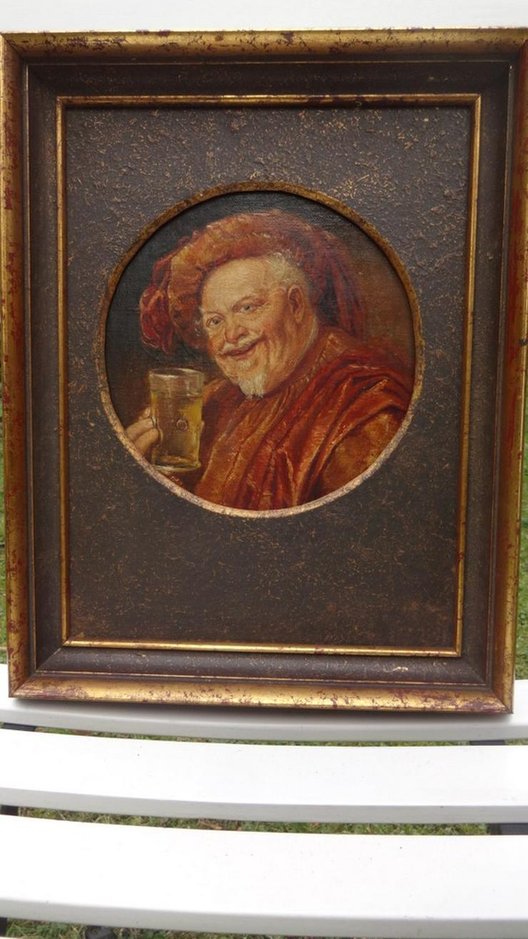 Bild 5: Trinkender Mönch / Abt