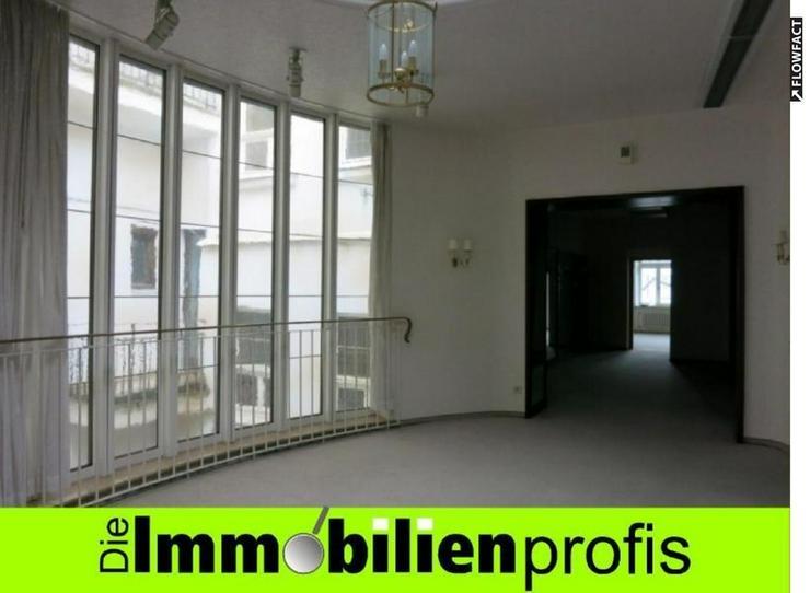 Repräsentative Büro-/ Praxisfläche in direkter Innenstadtlage von Hof/ Saale - Gewerbeimmobilie mieten - Bild 1