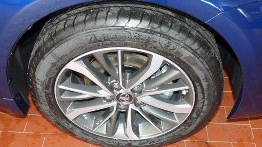 Bild 3: Toyota Avensis 1.8 VVT-i Autom. Edition-S Touring Sports