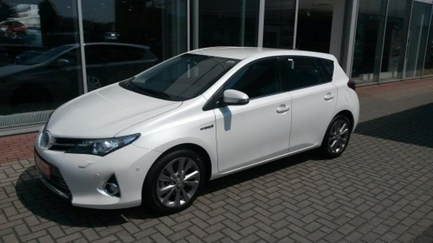 Bild 2: Toyota Auris 1.8 (Hybrid) Executive & Xenon / Navi