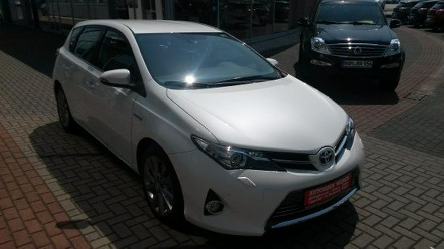 Bild 3: Toyota Auris 1.8 (Hybrid) Executive & Xenon / Navi