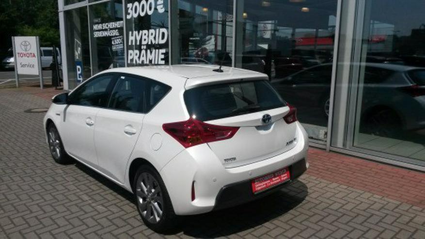 Bild 5: Toyota Auris 1.8 (Hybrid) Executive & Xenon / Navi
