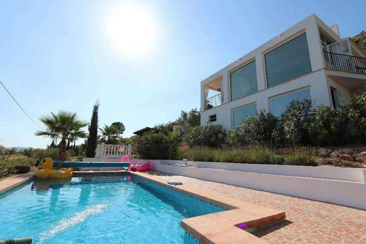 Wow-Villa - Perfekt bis ins Detail - Haus kaufen - Bild 1