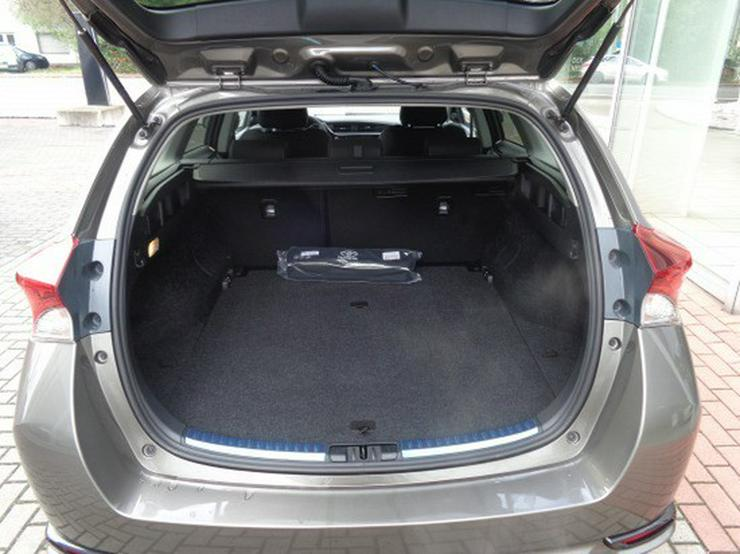 Bild 5: Toyota Auris TS 1.8 (Hybrid) Edition-S+  & NAVI