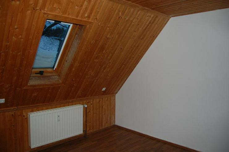 Bild 6: Tolle DG-Wohnung mit offener Küche, EBK und interessanten Details - Prov.-Frei!