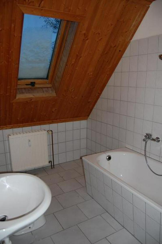 Bild 5: Tolle DG-Wohnung mit offener Küche, EBK und interessanten Details - Prov.-Frei!