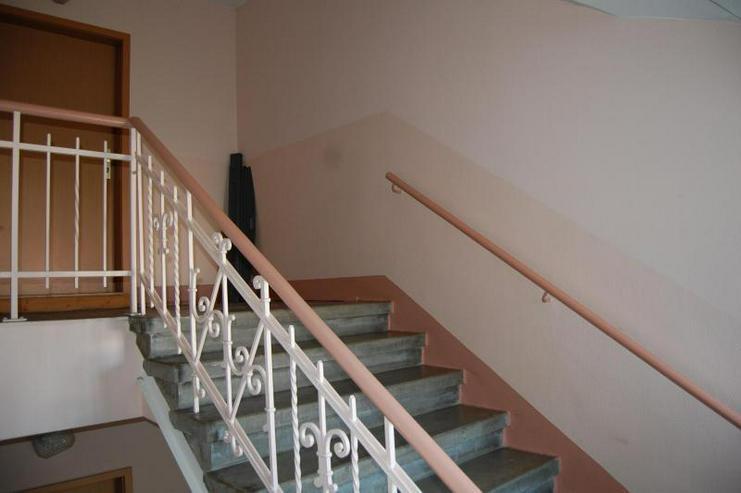 Bild 6: Gemütlich mit Potential - 2-Zimmer-DG-Whg - Provisionsfrei! Ab sofort!