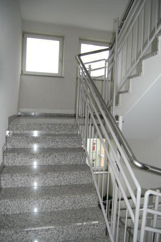Bild 3: Vermietete ETW mit Fahrstuhl, TG-Stellplatz und Balkon - Prov.-Frei!