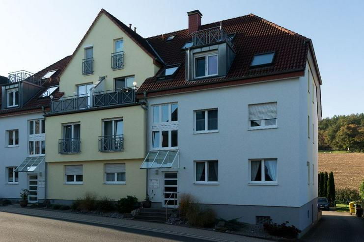 Bild 2: Ob als Kapitalanlage oder für Selbstnutzer: Helle Eigentumswohnung mit Sonnenbalkon und F...