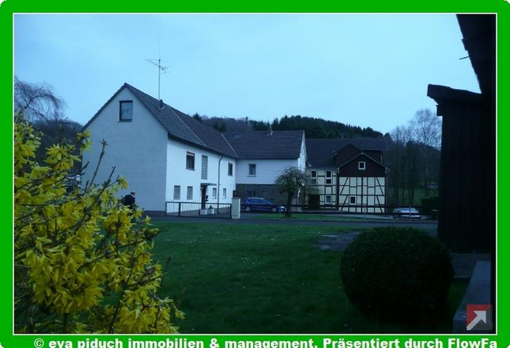 piduch* Landsitz mit viel Wohnfläche, Gewerbe- Abstellfläche und Garagen