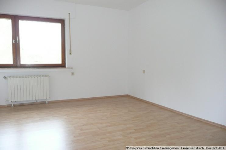 Bild 4: piduch* Landsitz mit viel Wohnfläche, Gewerbe- Abstellfläche und Garagen