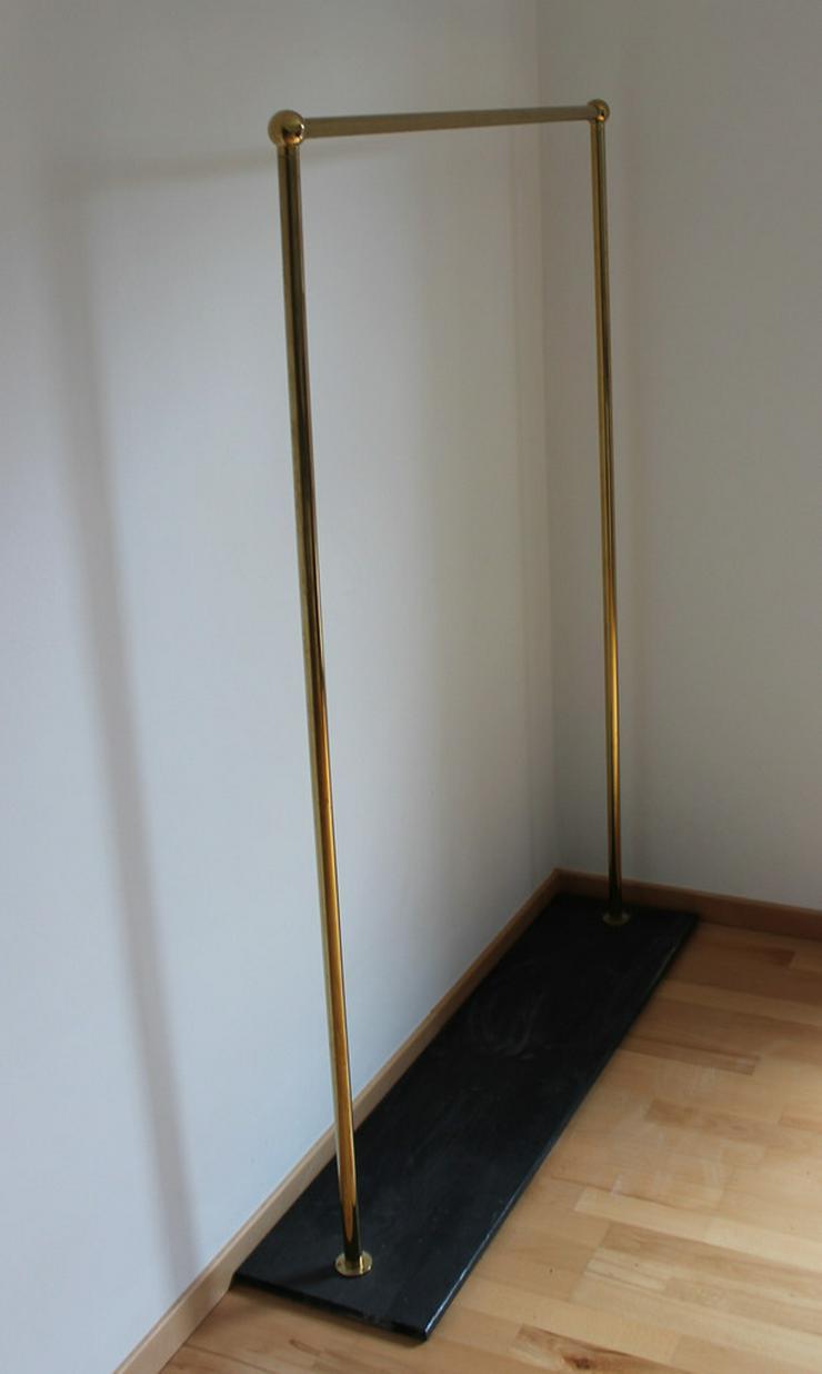 Bild 2: 2 Stück goldfarbene Kleiderständer, freistehend