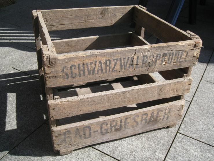 Alte Holz Sprudelwasserkiste als Sammlerstück