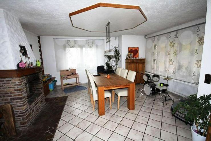 Bild 4: TOP ANGEBOT: Modernisiertes Familienhaus - hell & Freundlich