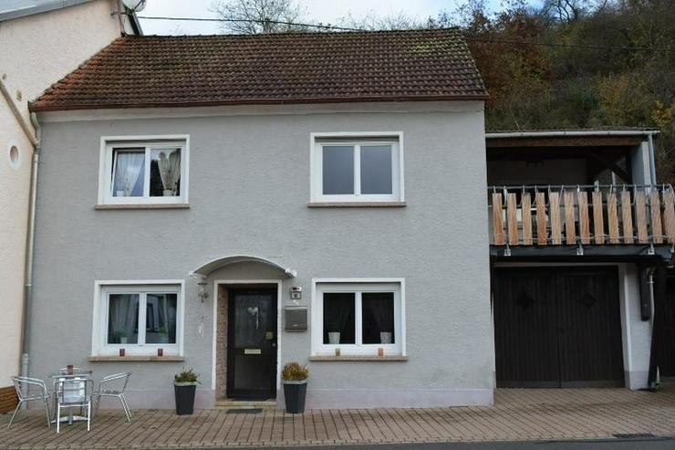 Bild 2: Sehr gepflegtes Einfamilienhaus - 3 Zimmer (ca. 85 qm) mit überdachten Terrasse, Garage u...