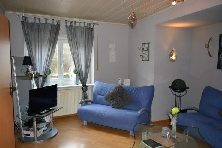 Bild 4: Sehr gepflegtes Einfamilienhaus - 3 Zimmer (ca. 85 qm) mit überdachten Terrasse, Garage u...