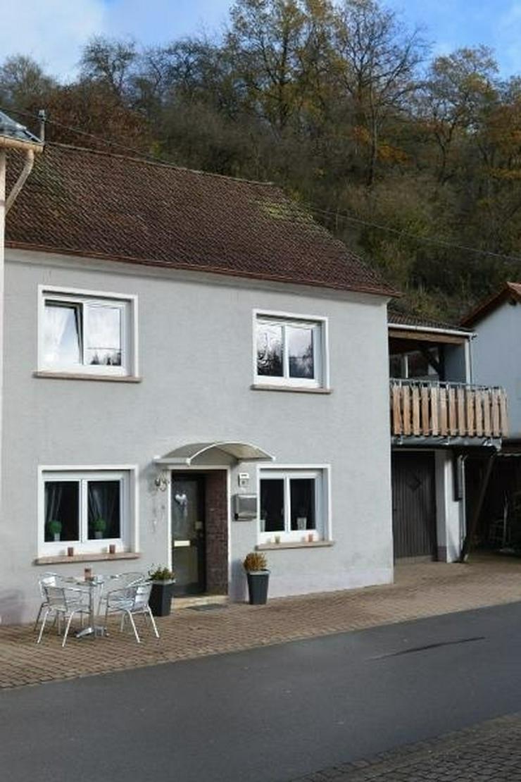 Bild 3: Sehr gepflegtes Einfamilienhaus - 3 Zimmer (ca. 85 qm) mit überdachten Terrasse, Garage u...