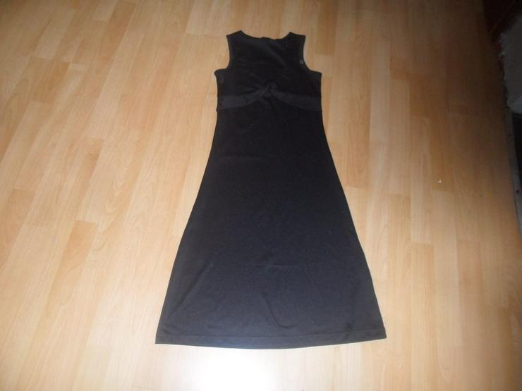 Abendkleid schwarz mit Tasche
