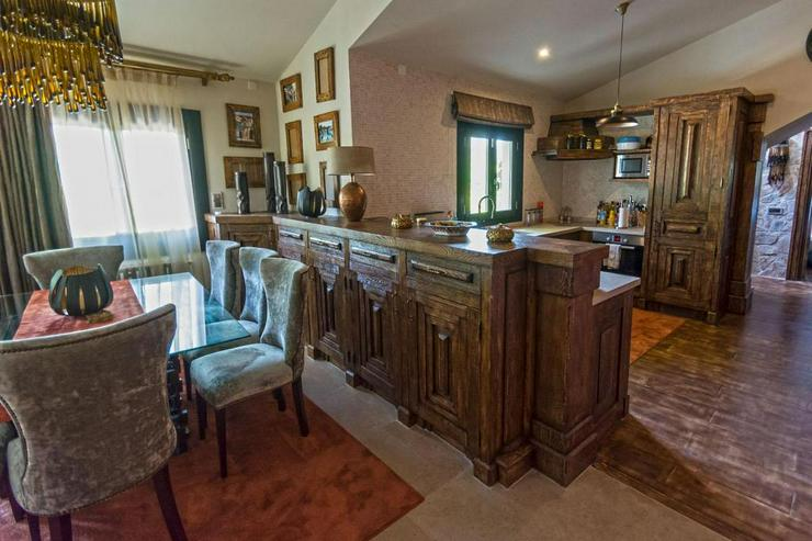 Bild 4: Qualitativ hochwertige Villa in El Toro