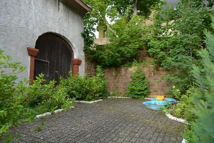 Bild 4: Schönes gepflegtes Einfamilienhaus - ca. 170 qm - mit Terrasse, Garage - Scheune und Nebe...