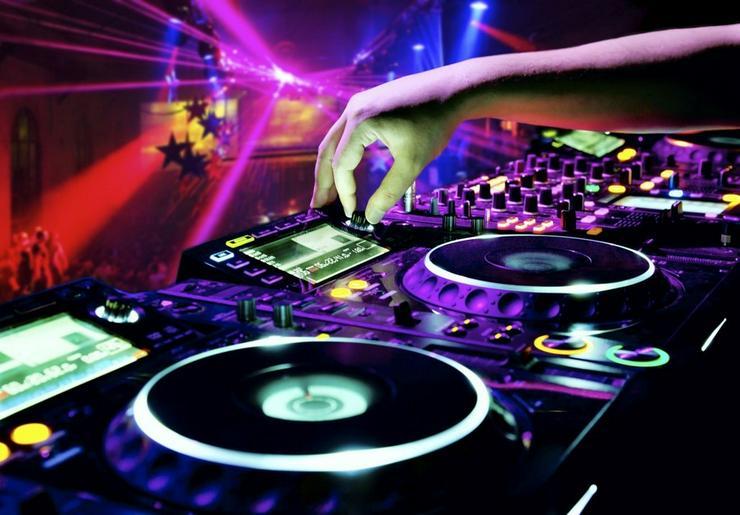 DJ gesucht??  Anlage bis 1000 Leute - Musik, Foto & Kunst - Bild 1