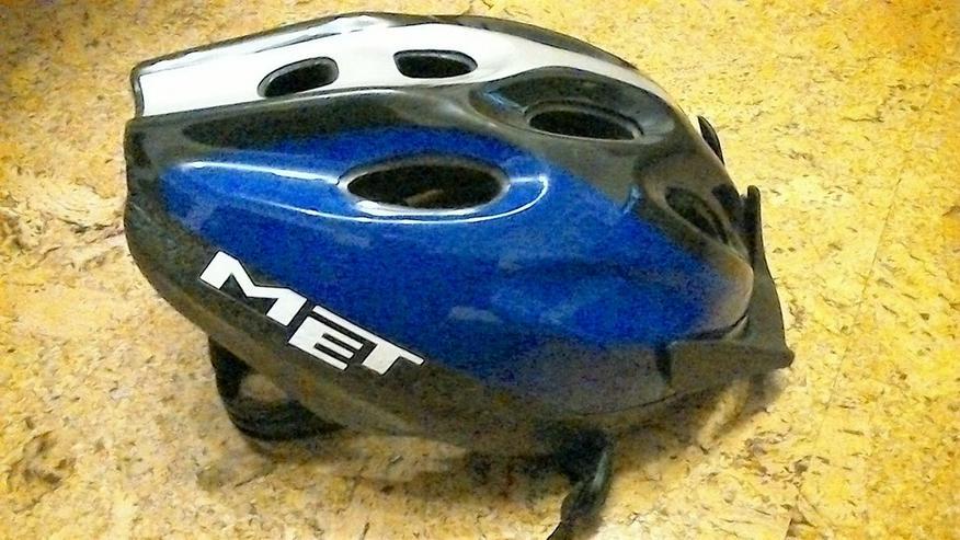Bild 2: Fahrradhelme MED