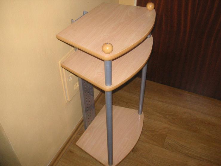 Bild 2: Telefontischchen