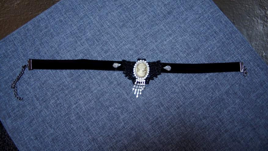 Bild 2: Samt-Halsband, NEU, Strass, Spitze, Medaillon