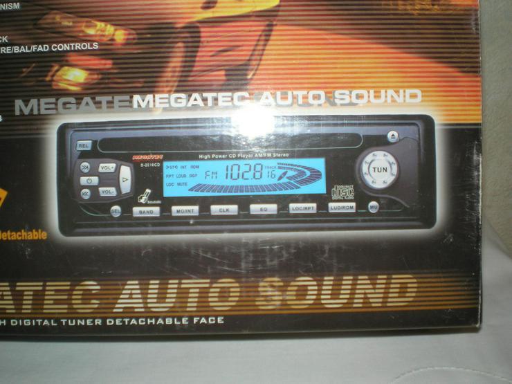 CD-Radio + 4 Einbaulautsprecher - Autoradios, Player & Wechsler - Bild 1