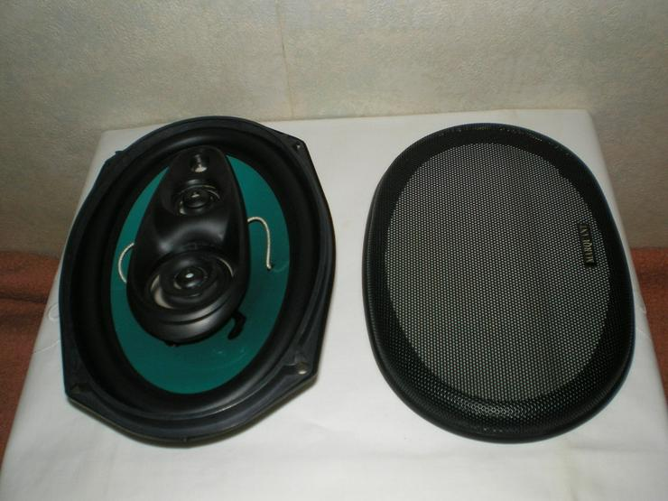 Bild 3: CD-Radio + 4 Einbaulautsprecher