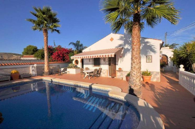 Villa mit Privat-Pool - Haus kaufen - Bild 1