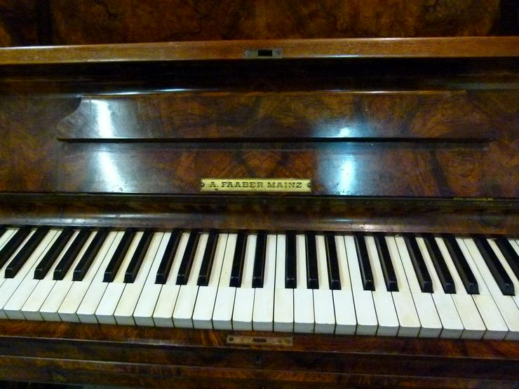 Bild 6: Klavier A. Faaber Mainz