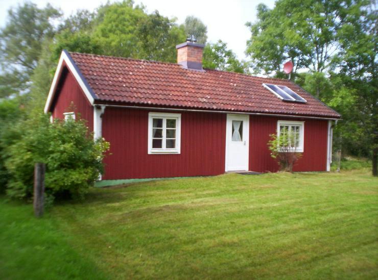 Ferienhaus am Wasser ohne Nachbarn in Schweden