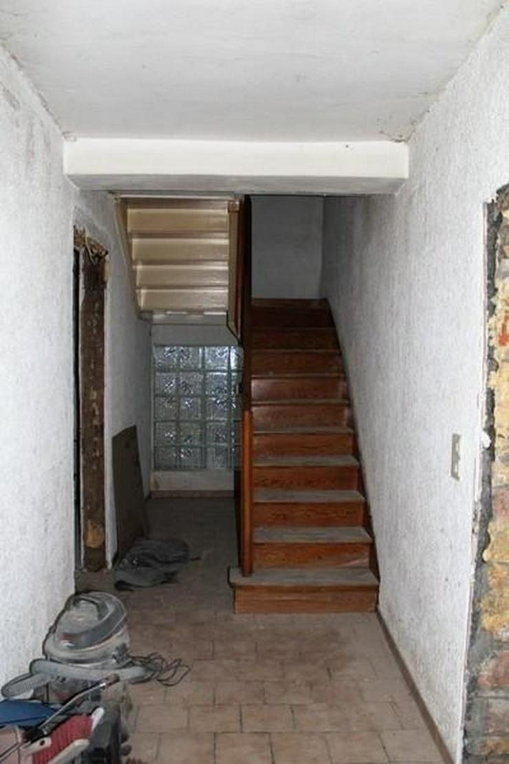Günstiges Einfamilienhaus sucht Handwerker für den Innenausbau. KFW-Kredit Übernahme m?... - Haus kaufen - Bild 1
