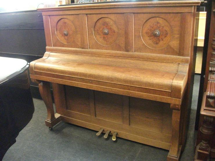 Bild 2: Klavier Helma