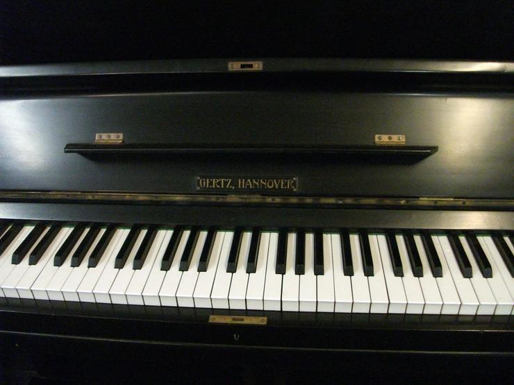 Bild 2: Klavier Gertz