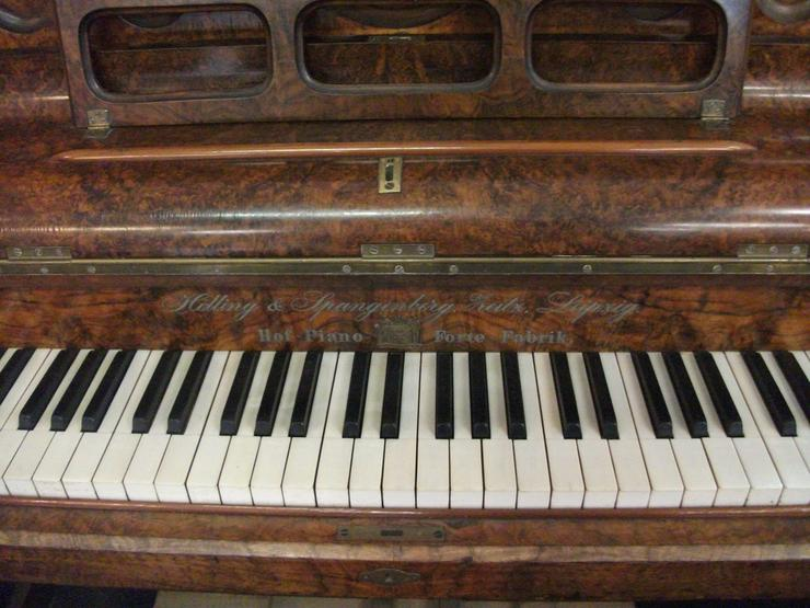 Bild 3: Klavier Hölling-&-Spangenberg