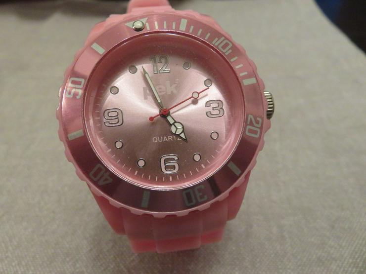 Bild 3: 2 PEK Uhren