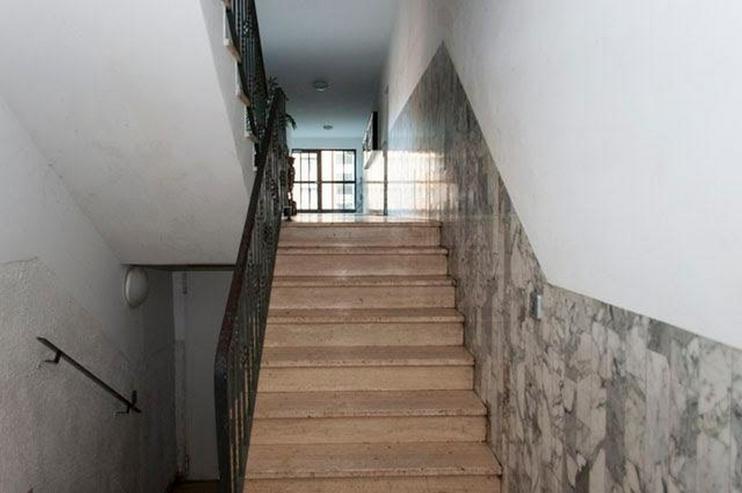Bild 4: 4 Zimmer, Bad, Gäste-WC, Terrasse, Gartenanteil, Aussenstellplatz und solide vermietet.