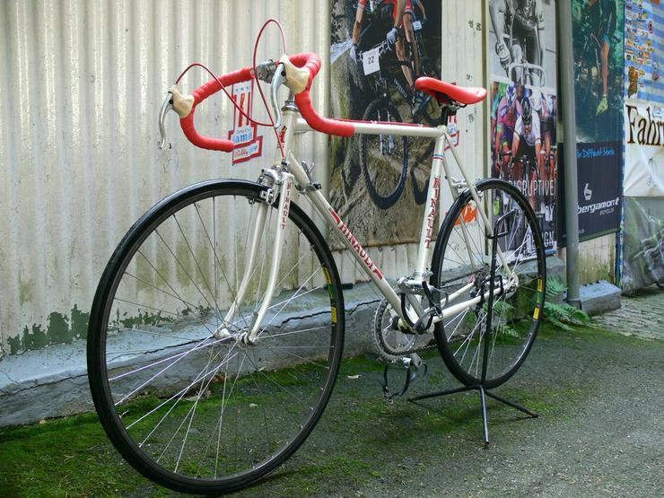 Bild 5: Straßenrennrad von BERNARD HINAULT ,12 Gang
