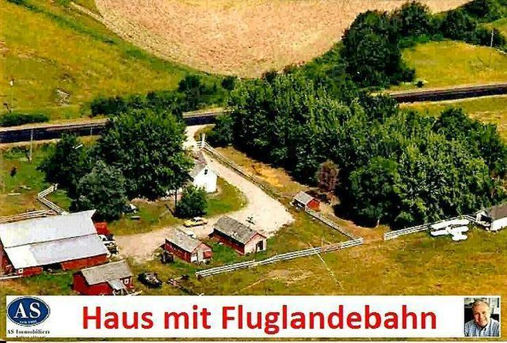 Natur PUR., ca. 10 Hektar Grundstück mit Landhaus mit Fluglandebahn, Scheune und Hangar!