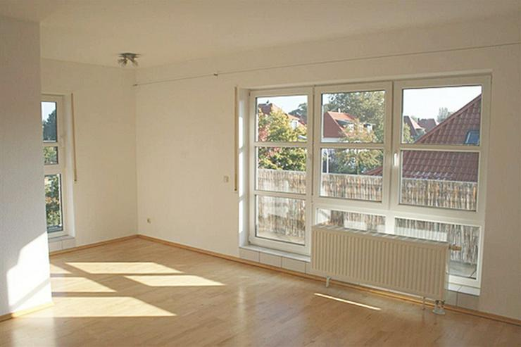Penthouse-Stil in Bessungen: Lichtdurchflutetes 1-Zimmer-Appartement mit umlaufender Dacht...
