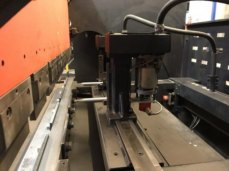 AMADA Abkantpresse ITPS 5020 - Elektronikindustrie - Bild 1