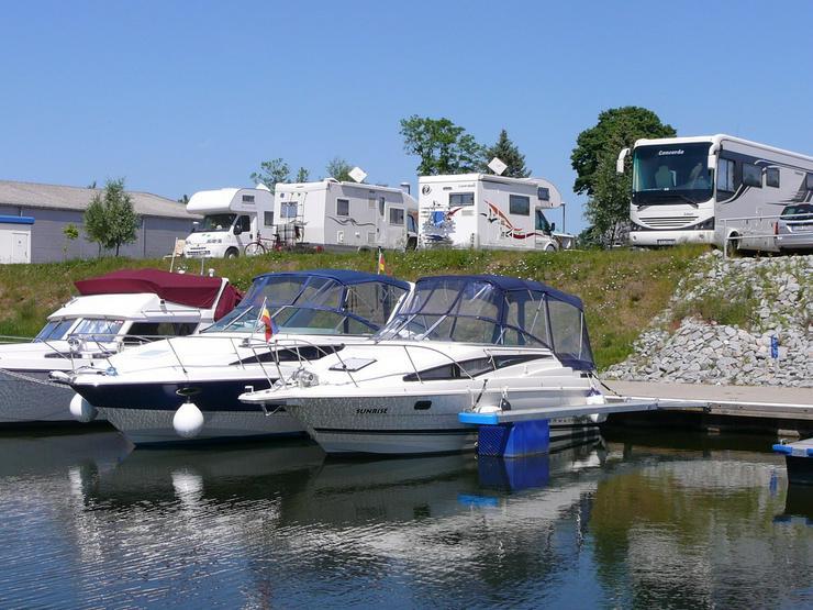 34 Wohnmobilstellplätze direkt am Wasser!