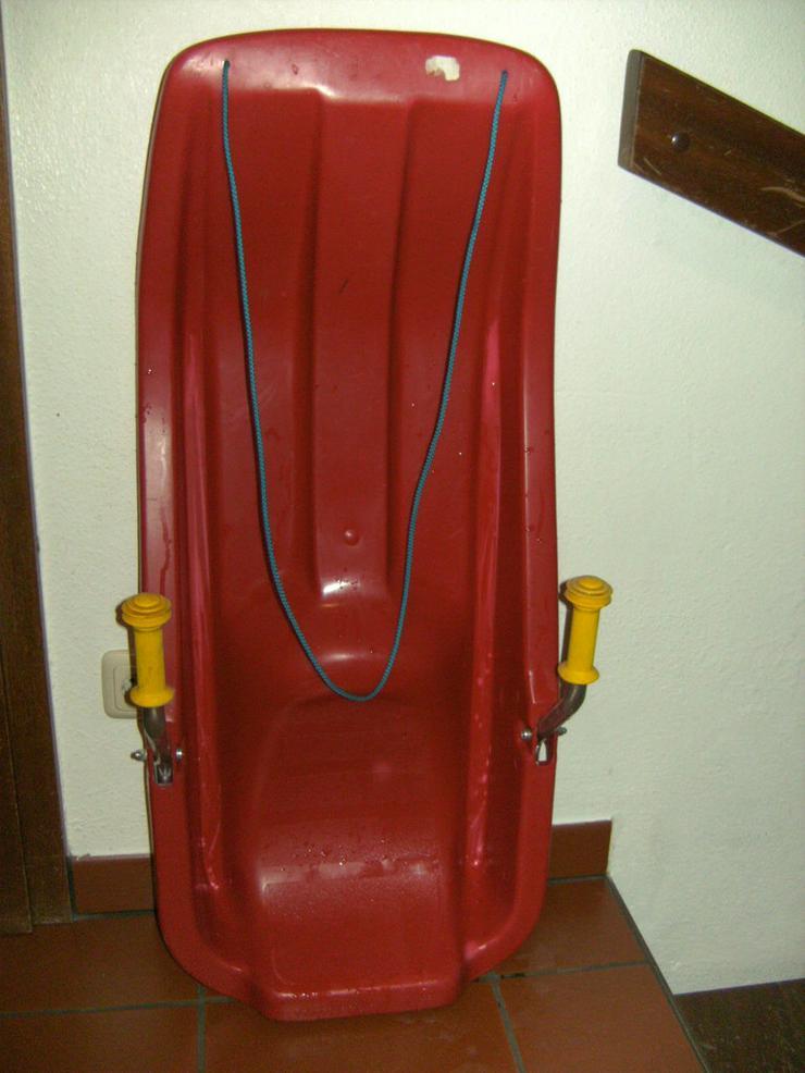 2 Paar Langlaufski + 1 Kunststoffrodel - Bild 1